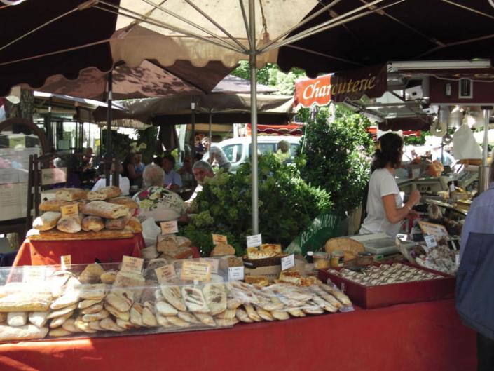 Marché de Cucuron - Chambres d'hôtes Provence